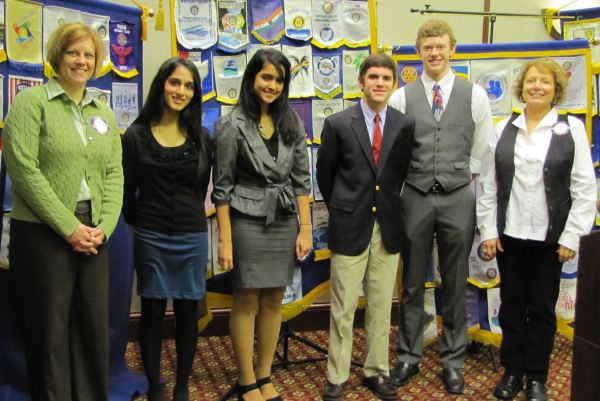 High school students who won college scholarships from the Rotary Club of Mason and Deerfield