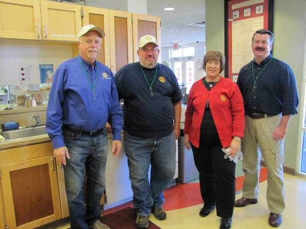 Rotarians Serving at the Ronald McDonald House